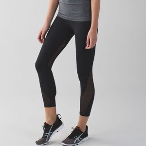 LULULEMON All Meshed Up 7/8 Tight